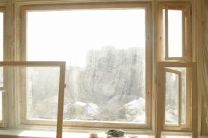 Производим ремонт деревянных окон