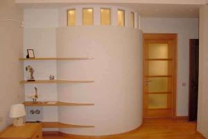 Как правильно расставить мебель в прихожей?