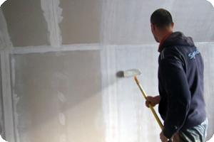 Покраска и грунтовка стен